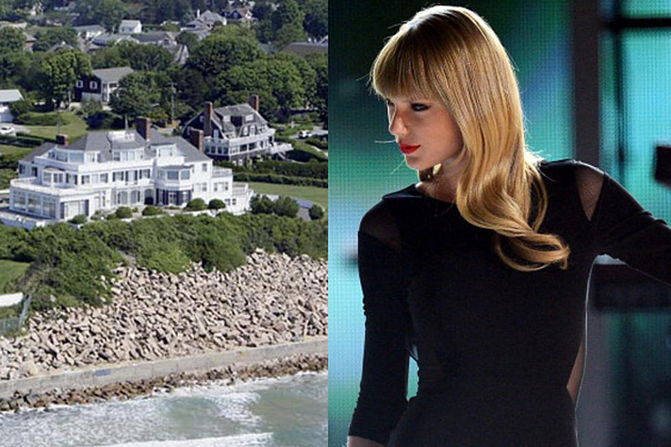 Taylor Swift Fan Arrested For Swimming To Her Rhode Island House