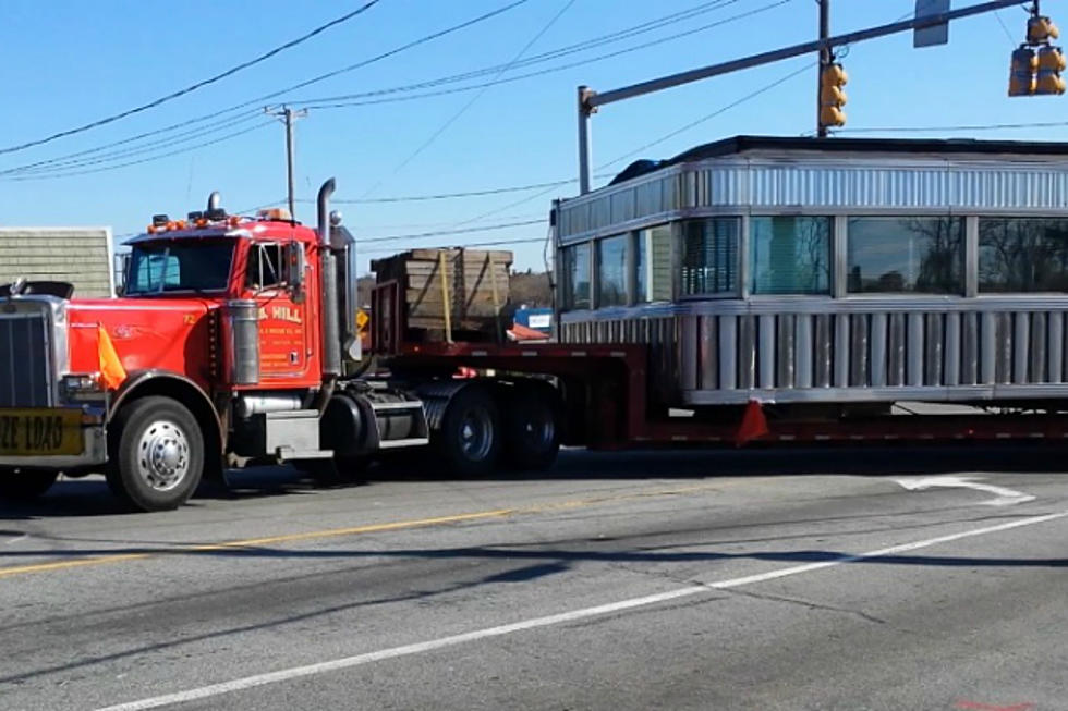 Watch The Shawmut Diner Get Moved And Transported Up Route 195 To