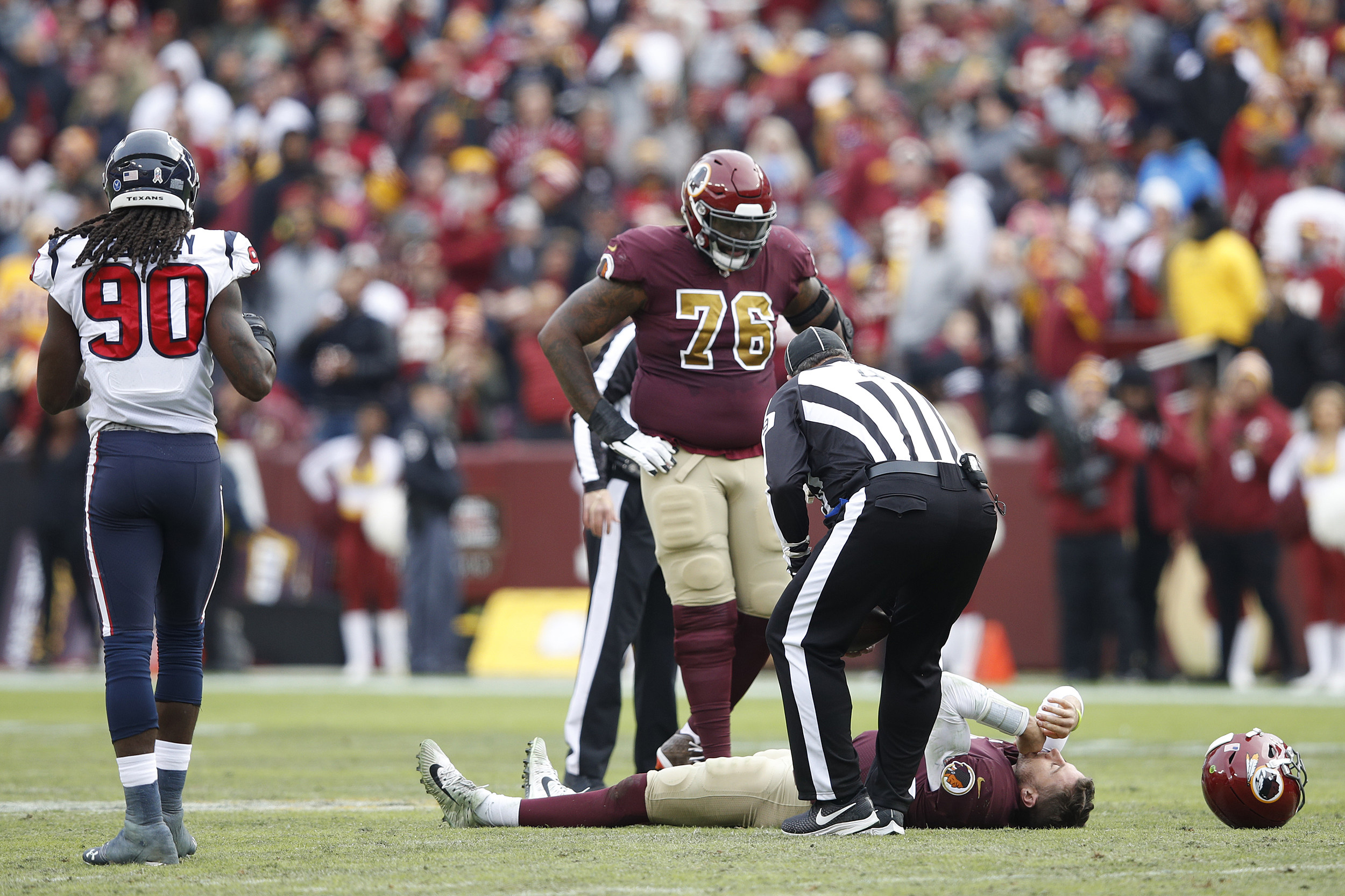 606f5e3b Redskins' Alex Smith faces complications from broken leg