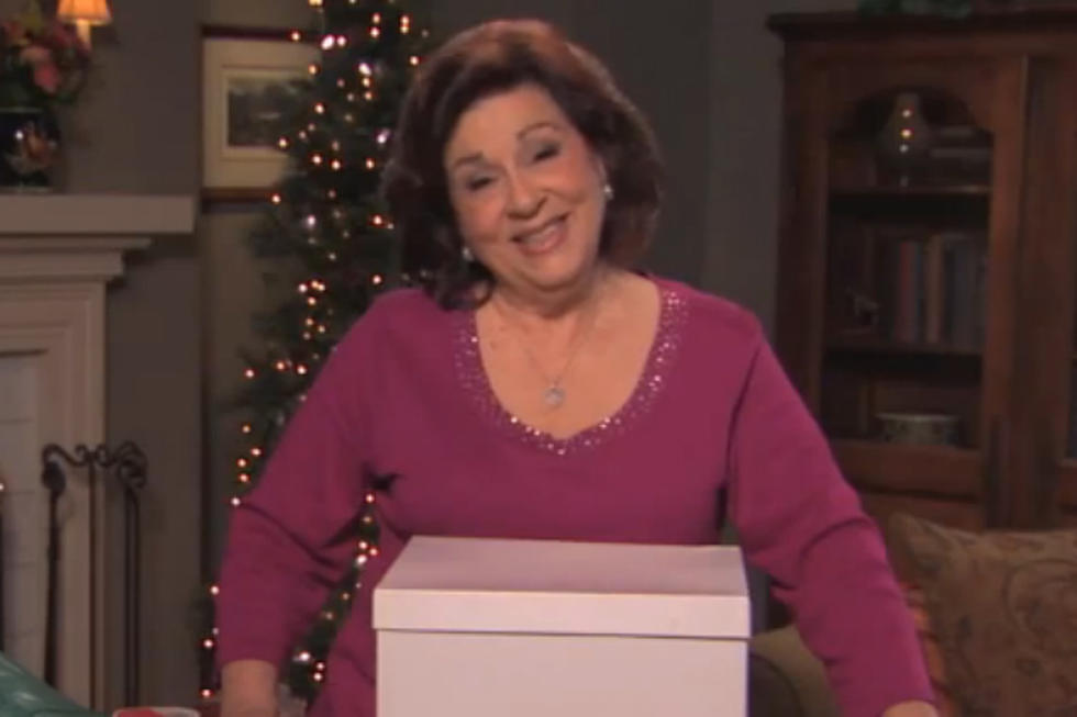Jimmy Kimmel Christmas.Jimmy Kimmel S Hilariously Foul Mouthed Aunt Chippy Teaches