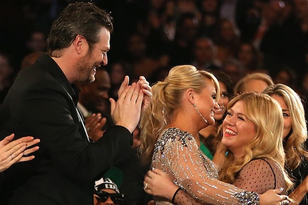 Kelly Clarkson Wedding.Blake Shelton Will Officiate Kelly Clarkson S Wedding And
