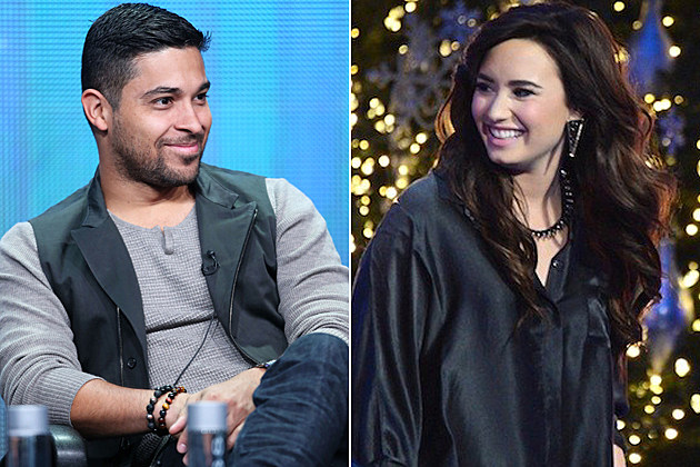 Niall dating Demi Lovato