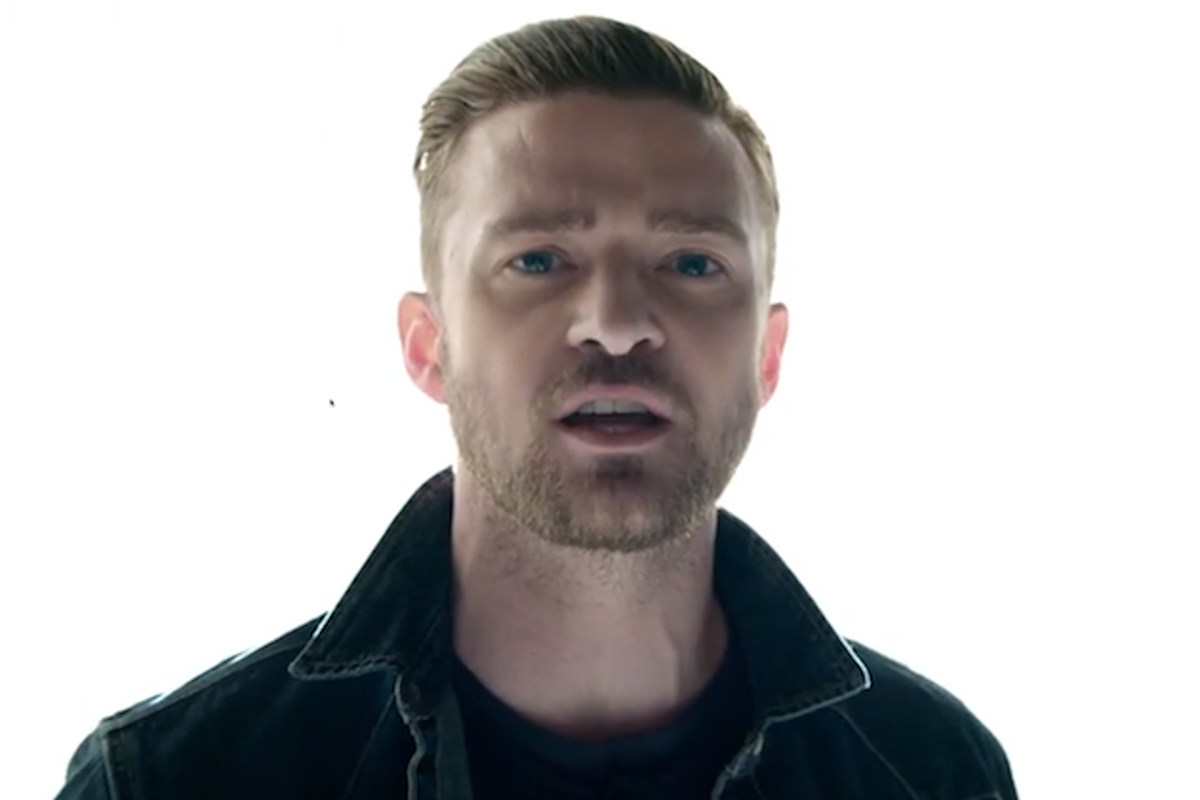 Justin Timberlake Gets Butt-Naked Before Gravity Gets