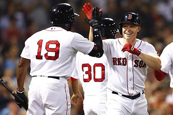 Holt Blasts Pinch Hit Homer, Sox Win 99th [VIDEO]