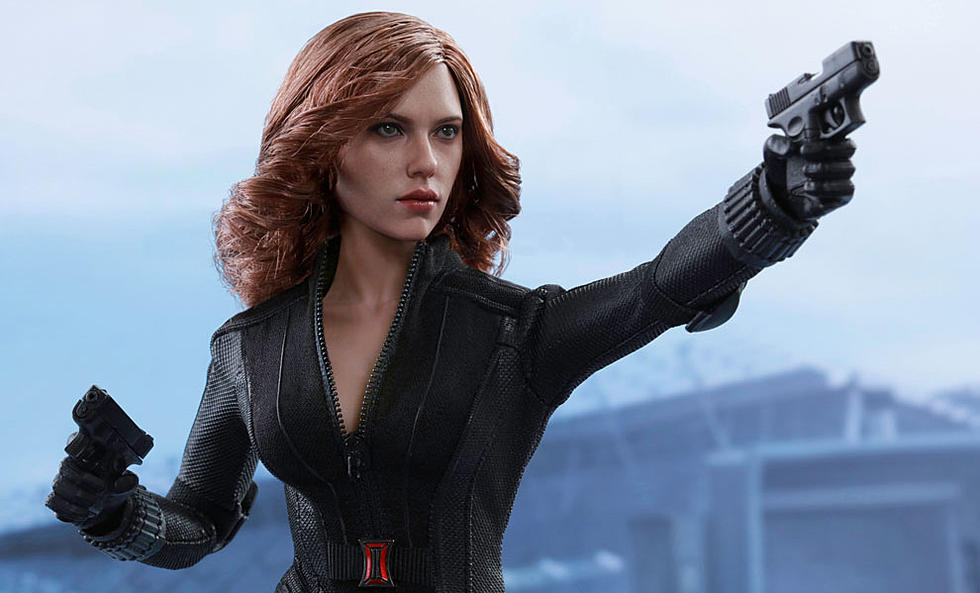 Black Widow S New Hot Toys Figure Brings Another Insect Friend