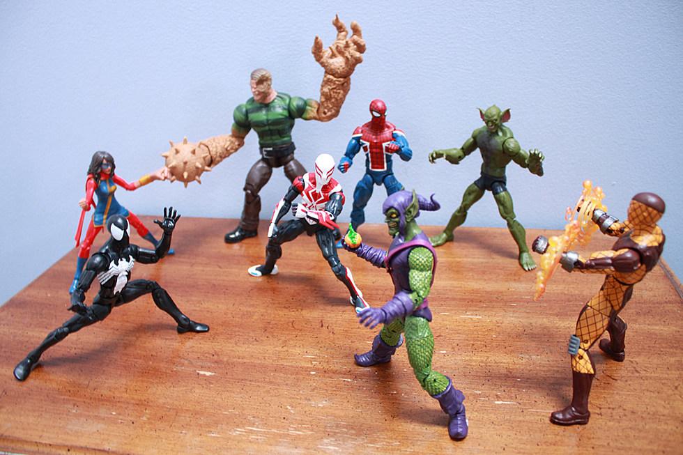 *NEW* BLACK SUIT SPIDER-MAN w// Sandman BAF Hasbro Marvel Legends spiderman