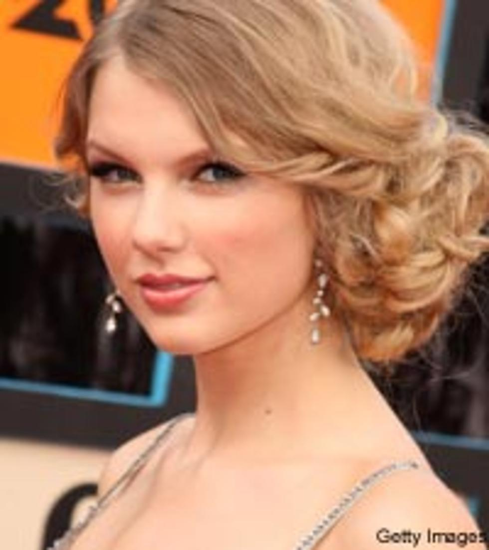 Taylor Swift Remembers Her Platonic Prom