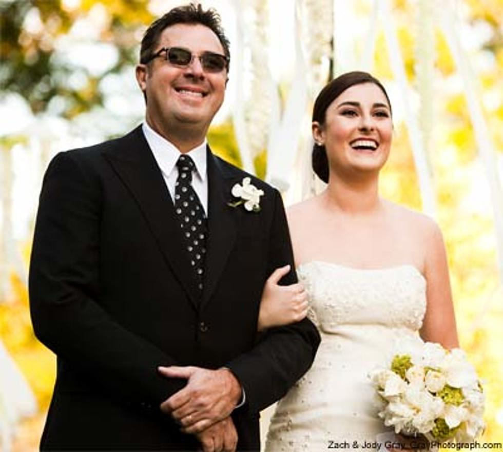 Vince Gill Gives Daughter Jenny Away Photo Of The Week