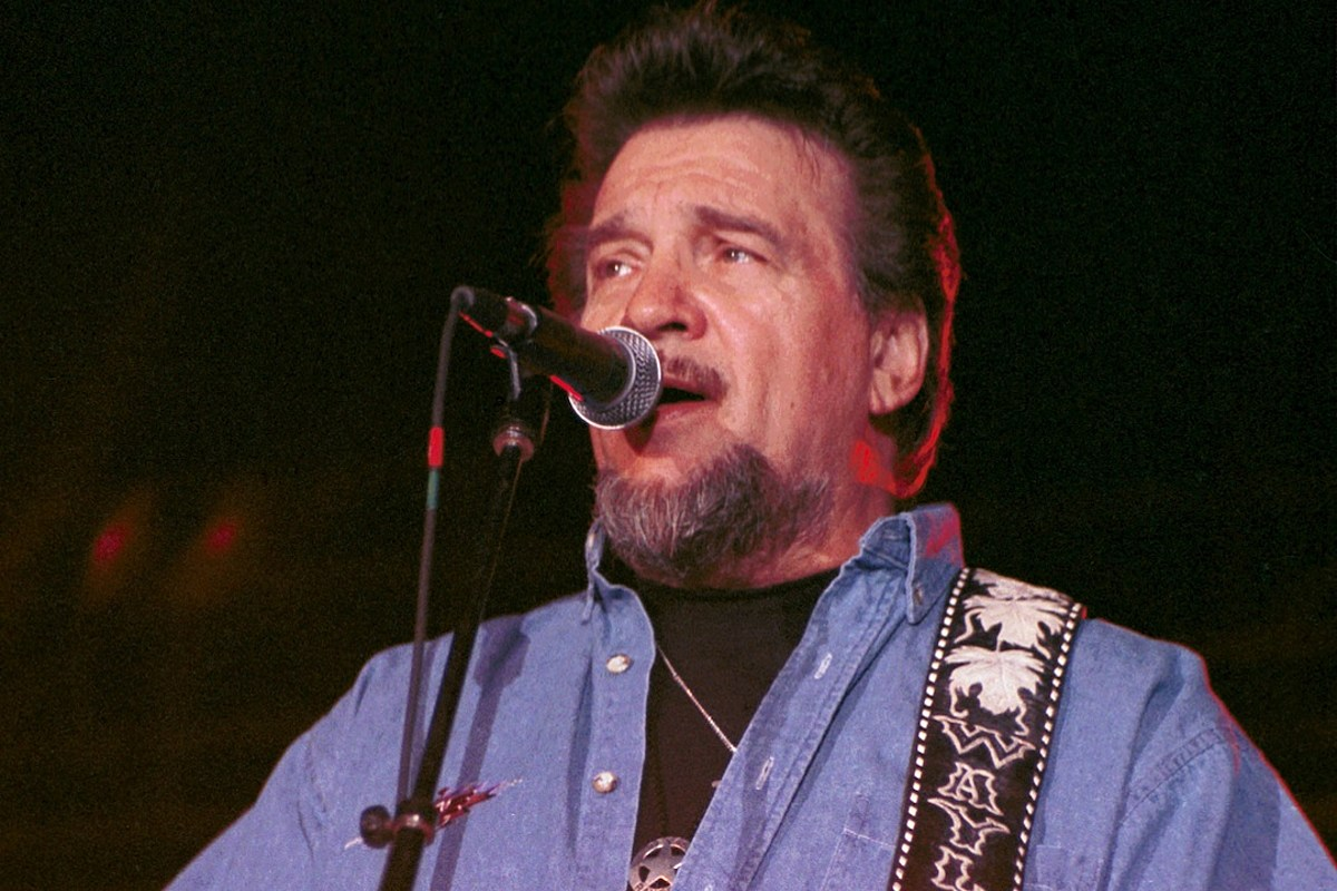 Waylon Jennings: 5 Moments That Highlight the Outlaw Legend's Funny Side