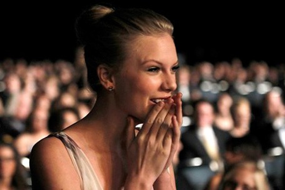 Taylor Swift Grammys 2012 Mean Wins Best Country Solo Performance