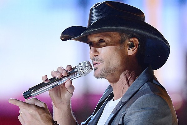 Tim McGraw Comments on Fan Slapping Video