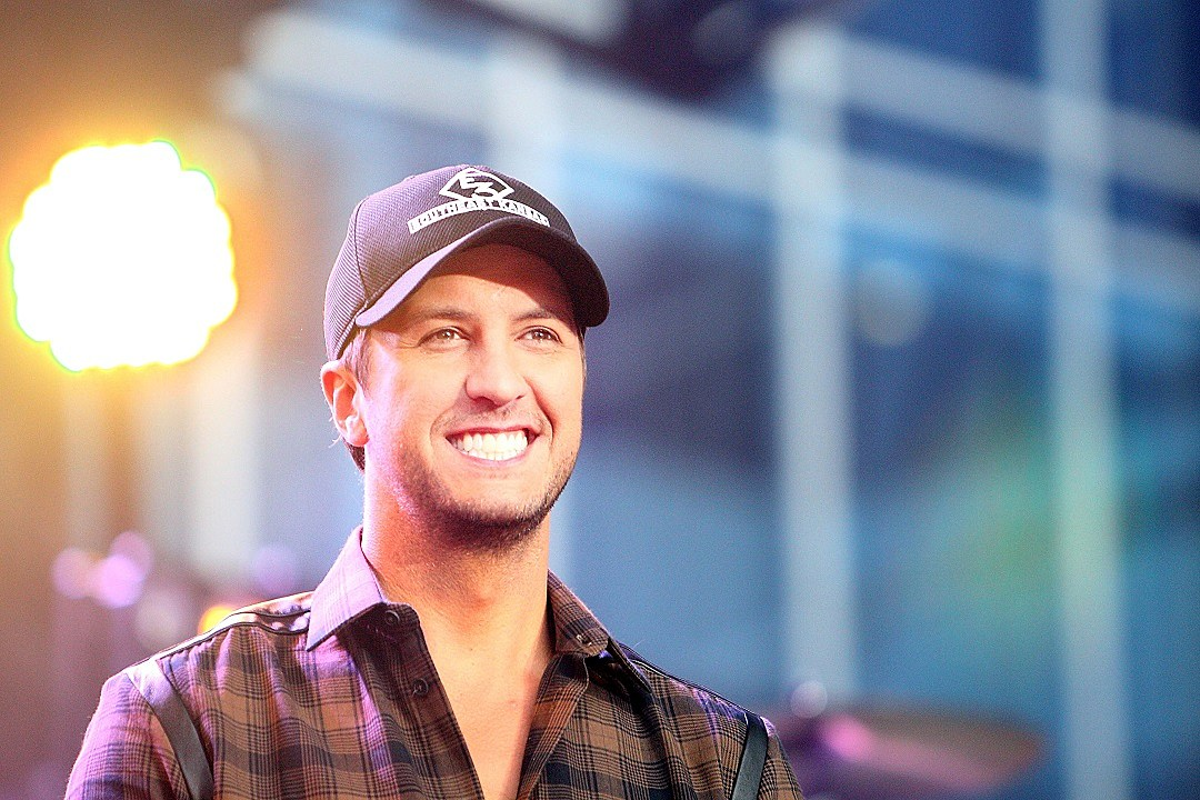 83bde4e0e9fca Country Music Memories  Luke Bryan Makes His Grand Ole Opry Debut