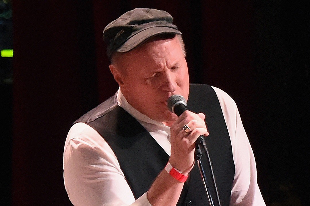 Story Behind the Song: Collin Raye, 'She's With Me'