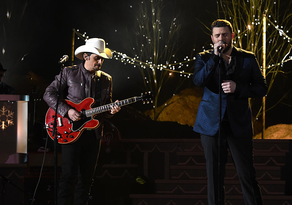 Brad Paisley Christmas.Young Paisley Duet For Cma Country Christmas 2016 Watch