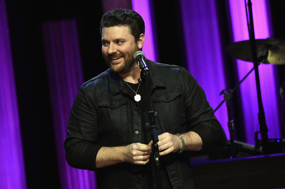 Chris Young Christmas.Young Helps Kids Affected By Tenn Wildfires Have Christmas