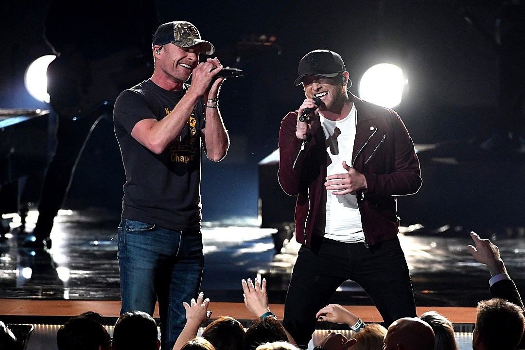 yes, cole swindell's flown with dierks bentley
