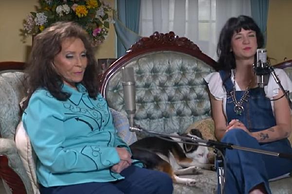 Watch Nikki Lane Loretta Lynn Duet In Country Icon S