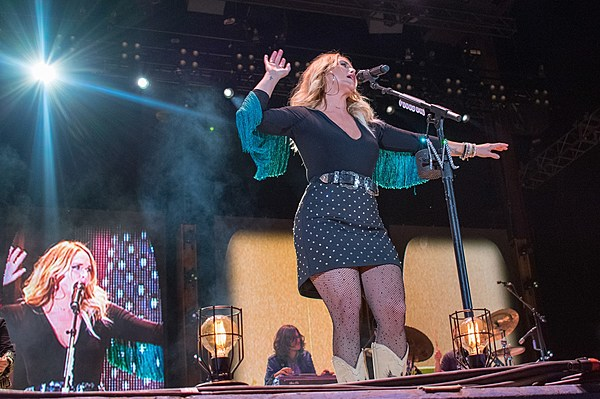 Town And Country Toyota >> Review: Miranda Lambert Stuns at 2017 Off the Rails Festival