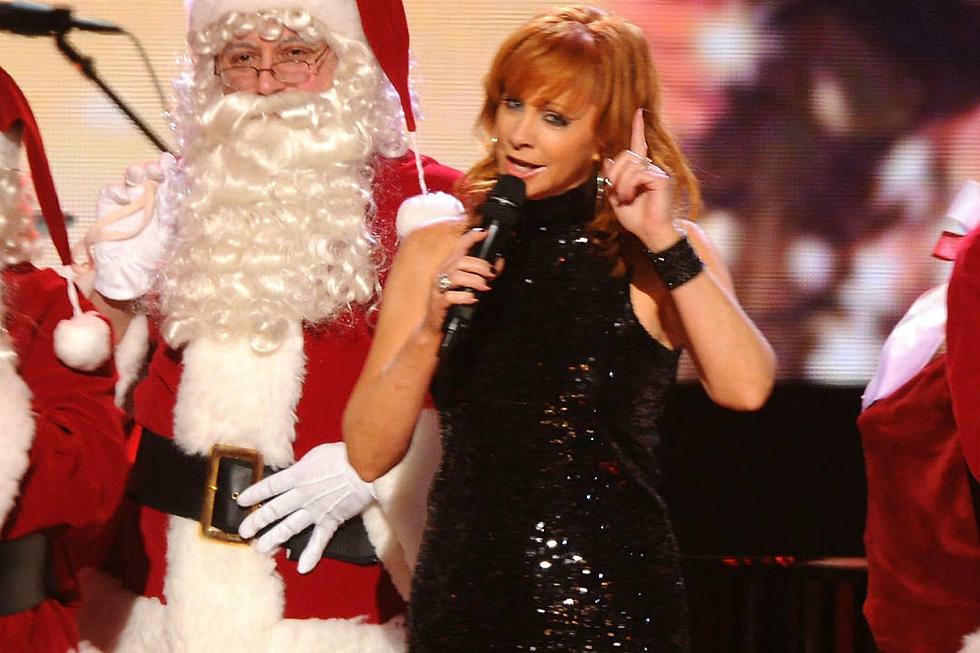 Cma Christmas Special 2019.Everything You Need To Know About Cma Country Christmas 2017