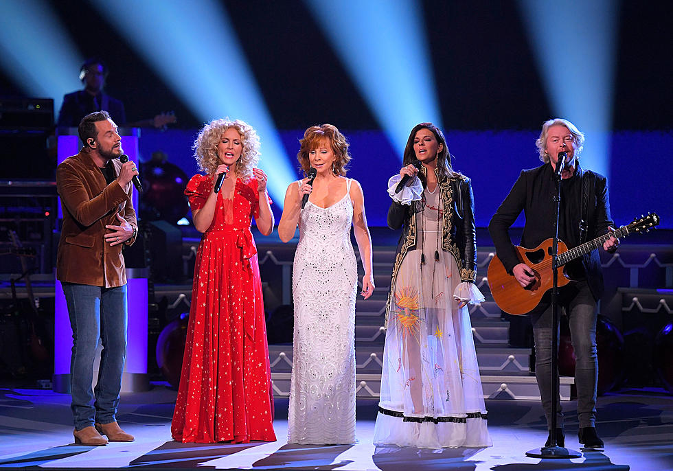 Cma Country Christmas.Cma Country Christmas Performers Talk Singing Timeless Tunes