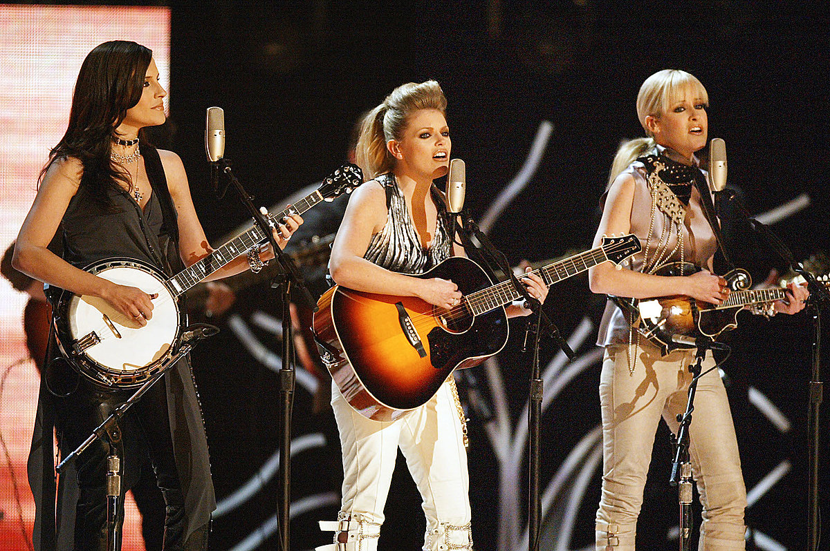 Natalie Maines Teases Dixie Chicks Fans With 'Gaslighter' Preview