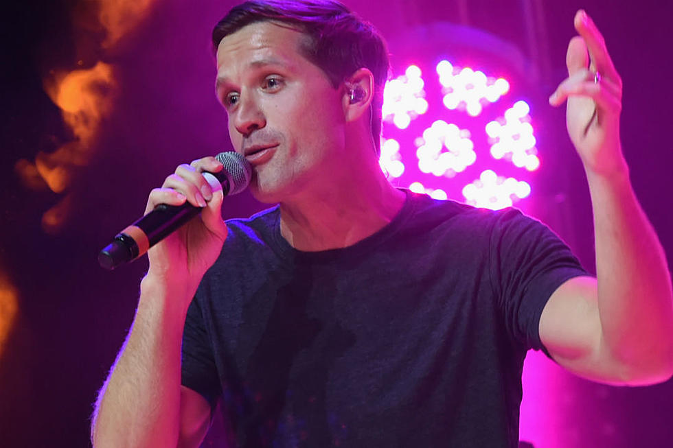 Walker Hayes' '90's Country': All 22 Song References, Explained