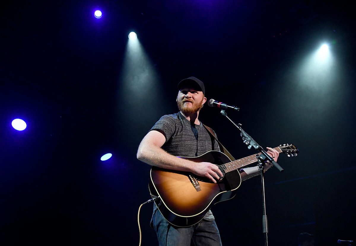 Hear Eric Paslay's New Single, 'Young Forever' [LISTEN]