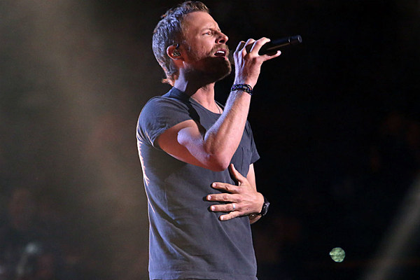 You Can T Bring Dierks Bentley Down In This Feel Good New Song