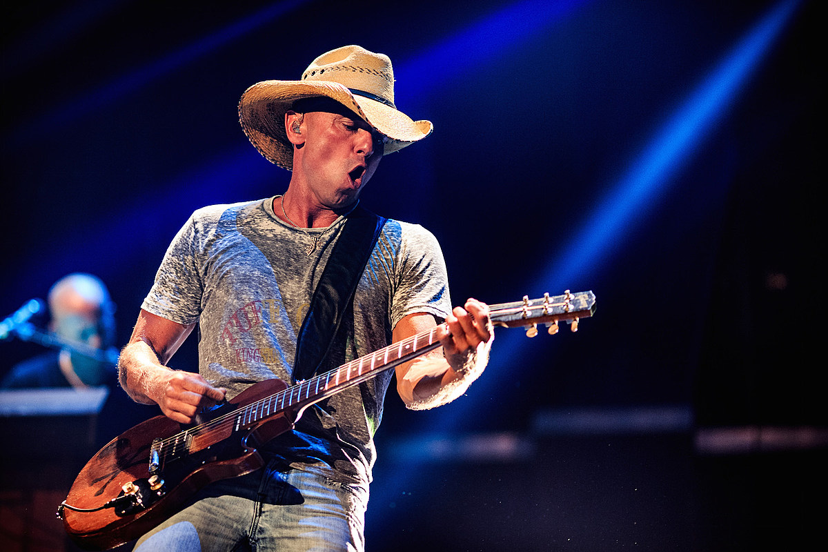 Country Chart Chronicles: Kenny Chesney's 'The Boys of Fall' Capitalizes on Football Fever + More