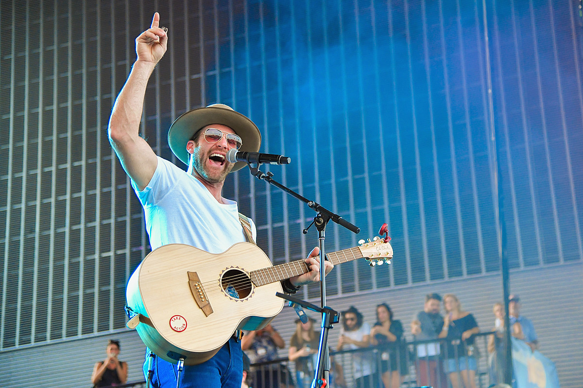 Drake White Reveals He's Being Treated for a Brain AVM