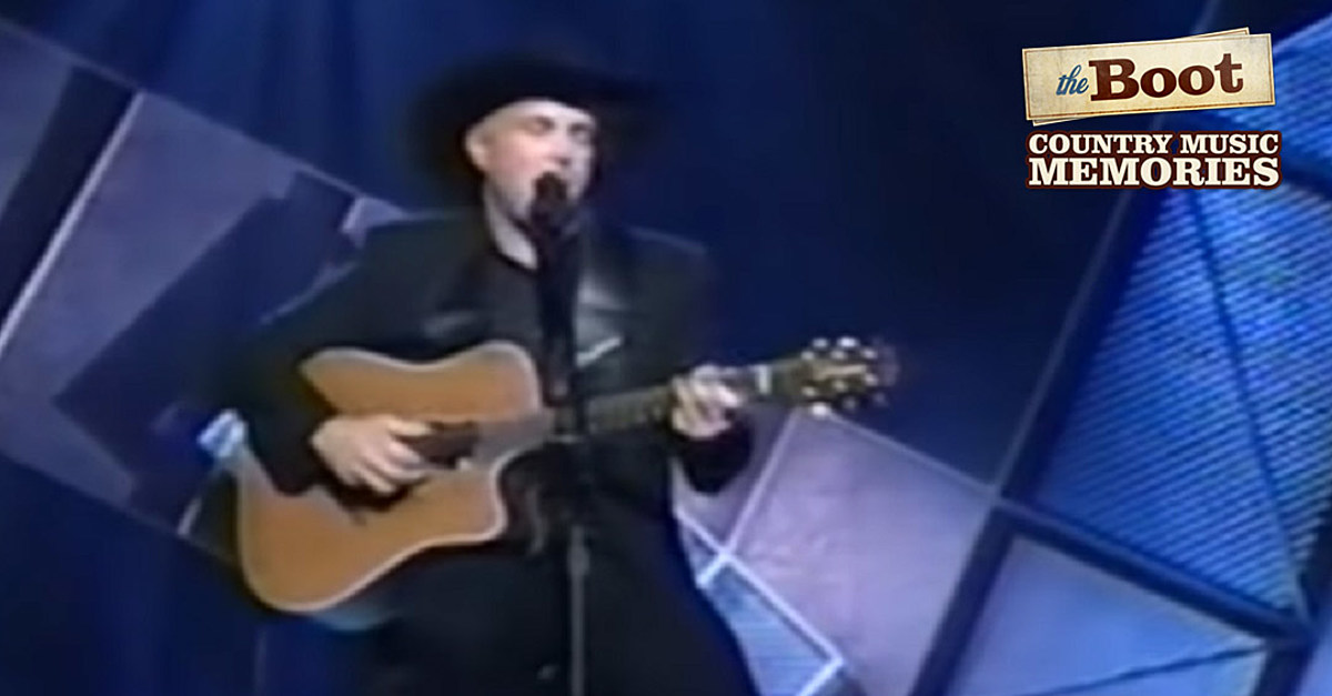 22 Years Ago: Garth Brooks Hits No. 1 With 'To Make You Feel My Love'