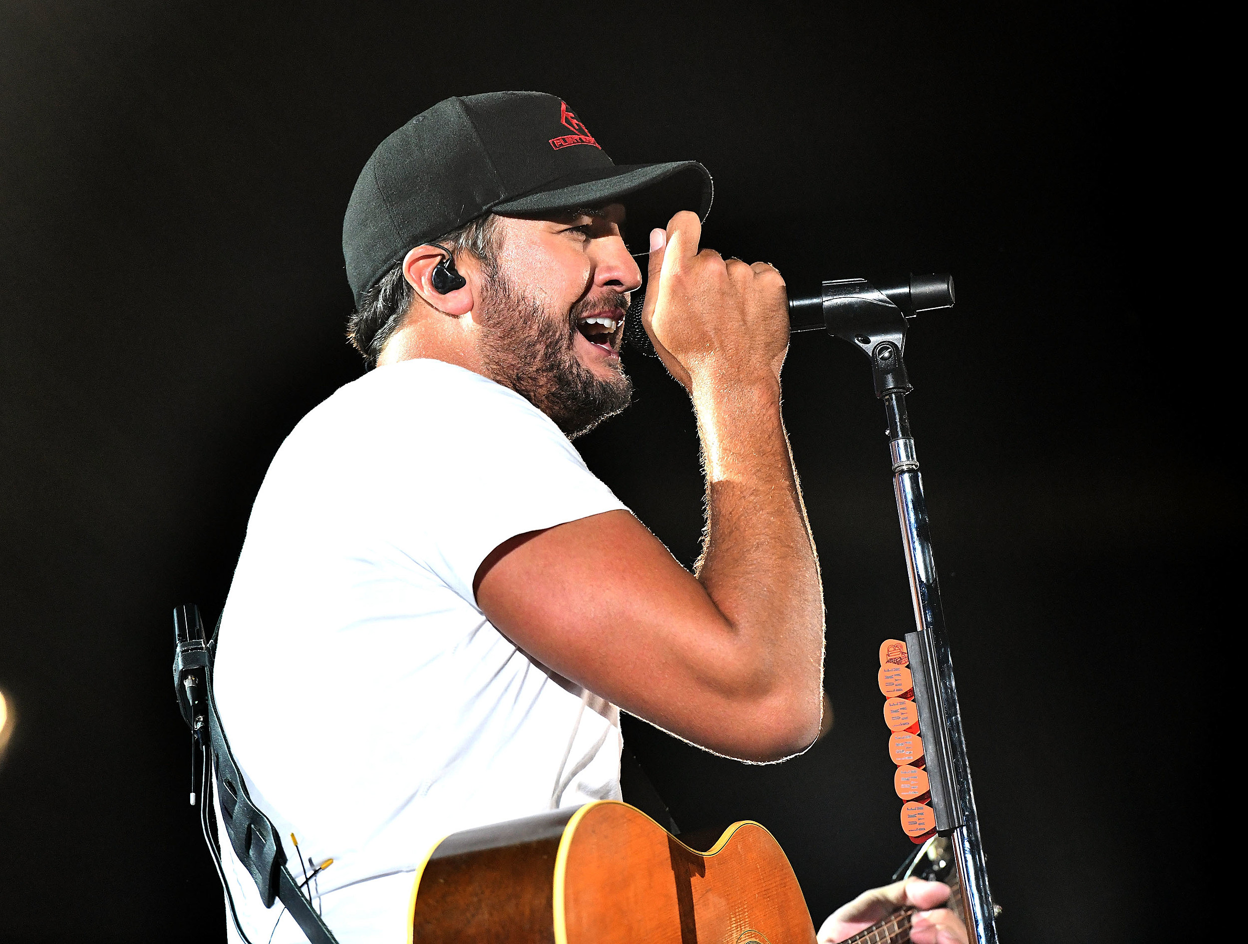 Blake Shelton's Ole Red Bar Faces Lawsuit in Nashville