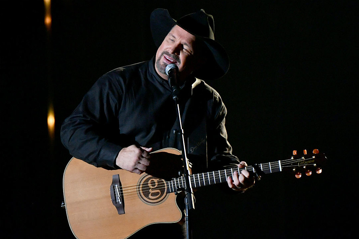 Country Chart Chronicles: In 2007, Garth Brooks' 'More Than a Memory' Broke a Week-Old Record
