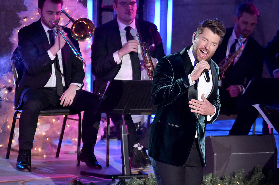 Christmas Albums Coming Out In 2019.Brett Eldredge Plans Christmastime 2019 Glow Live Tour Stops
