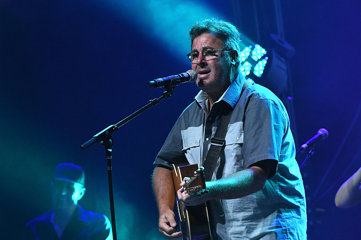 Interview: Vince Gill Sticks Up for the Underdog on New Album 'Okie'