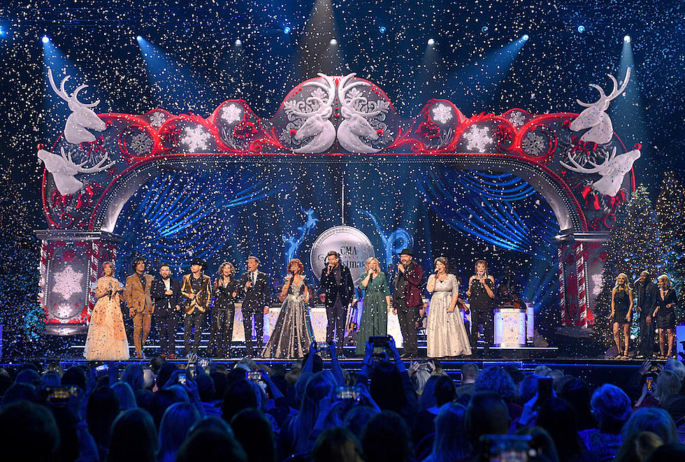 Who Was The Oldest Performer At The Cma Country Christmas 2020 CMA Country Christmas' 2018: See the Most Magical Moments