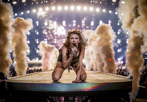 Taylor Swift S Best Live Shots Pictures