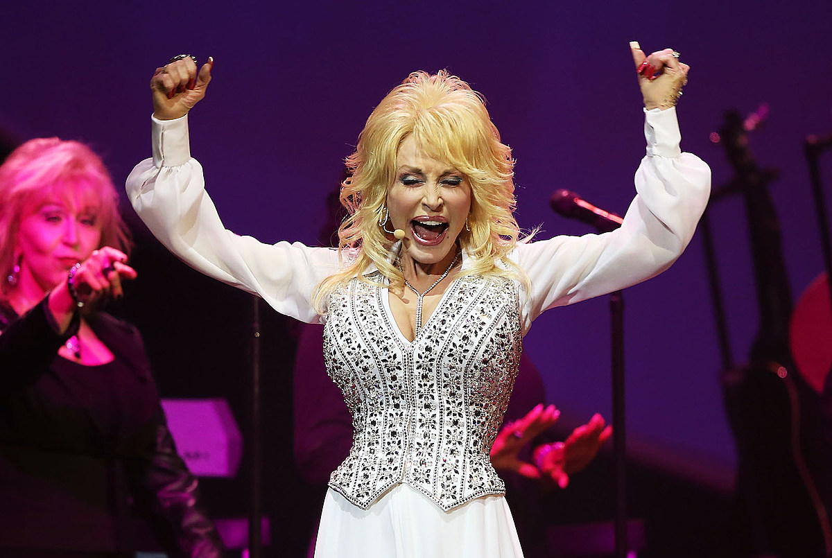 10 Things You Should Know About Dolly Parton