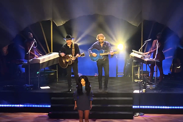 Kacey Musgraves Brings Brooks Amp Dunn Out For Neon Moon Duet