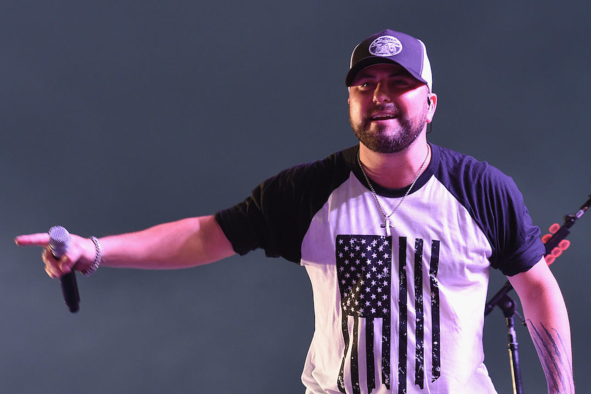 34493d77488bb Tyler Farr Inks Deal With Jason Aldean s New Label