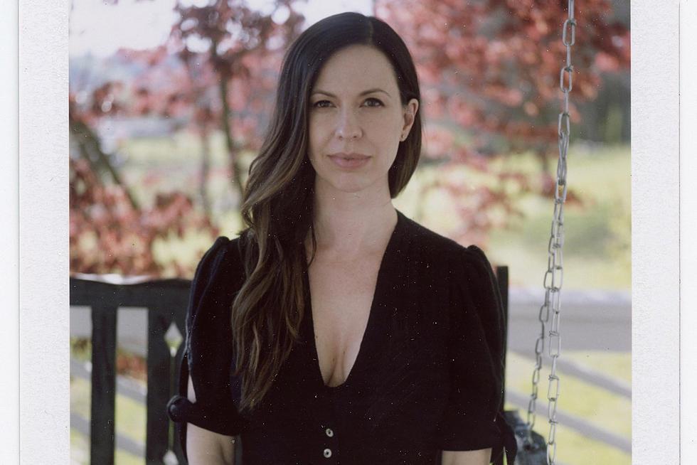 Interview: Joy Williams Embraces Simplicity on 'Front Porch'