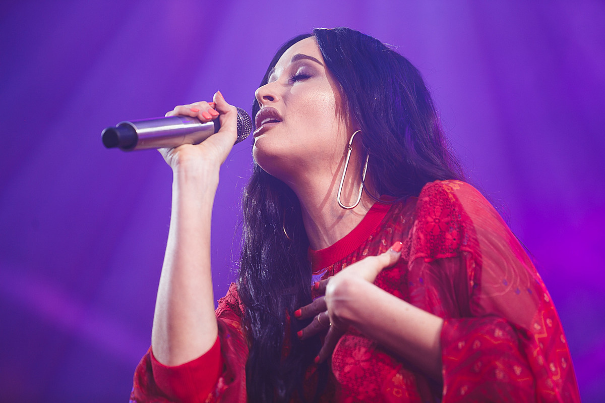 Musgraves Sends Message To Lawmakers After Weekend S Shootings