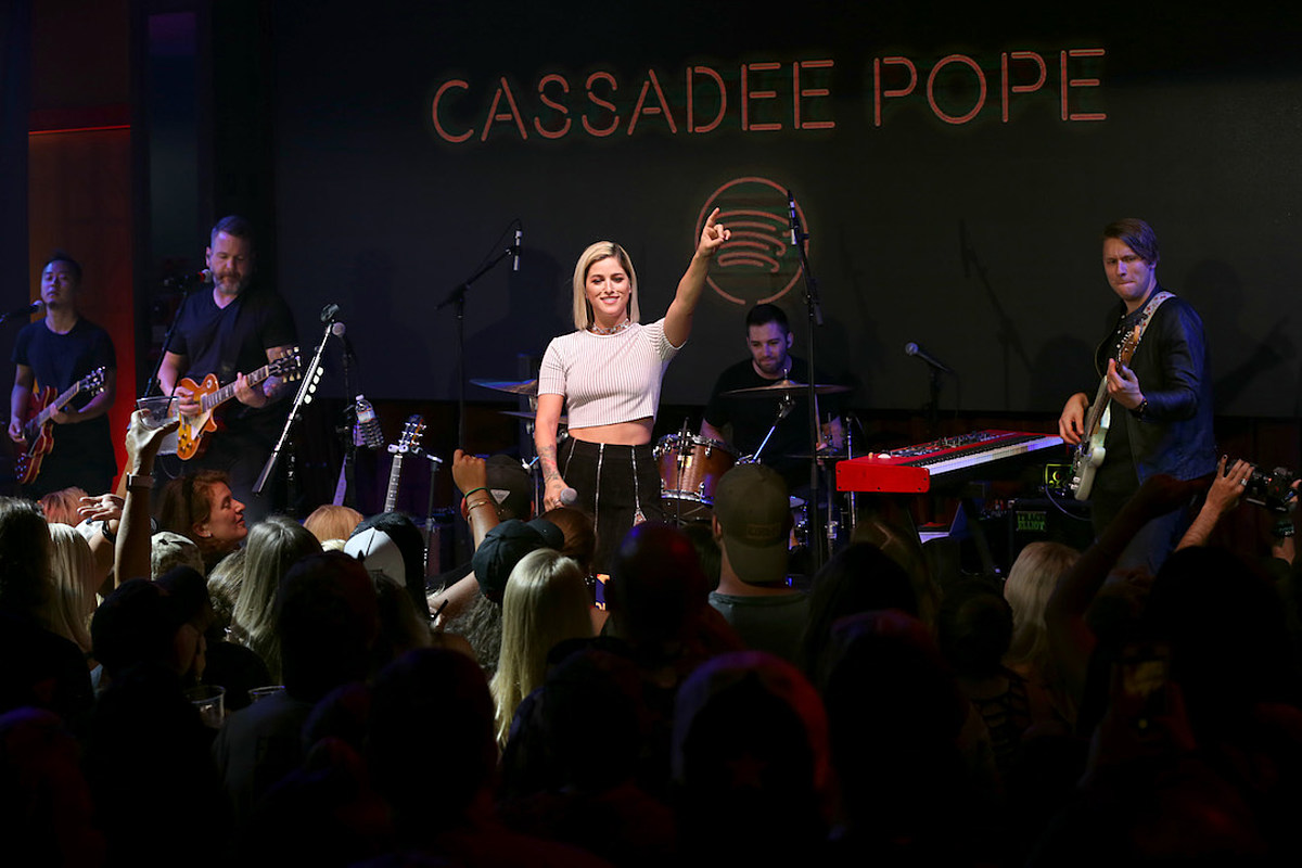 Cassadee Pope Reflects on 'Electric', 'Special' Feel of All-Women Shows
