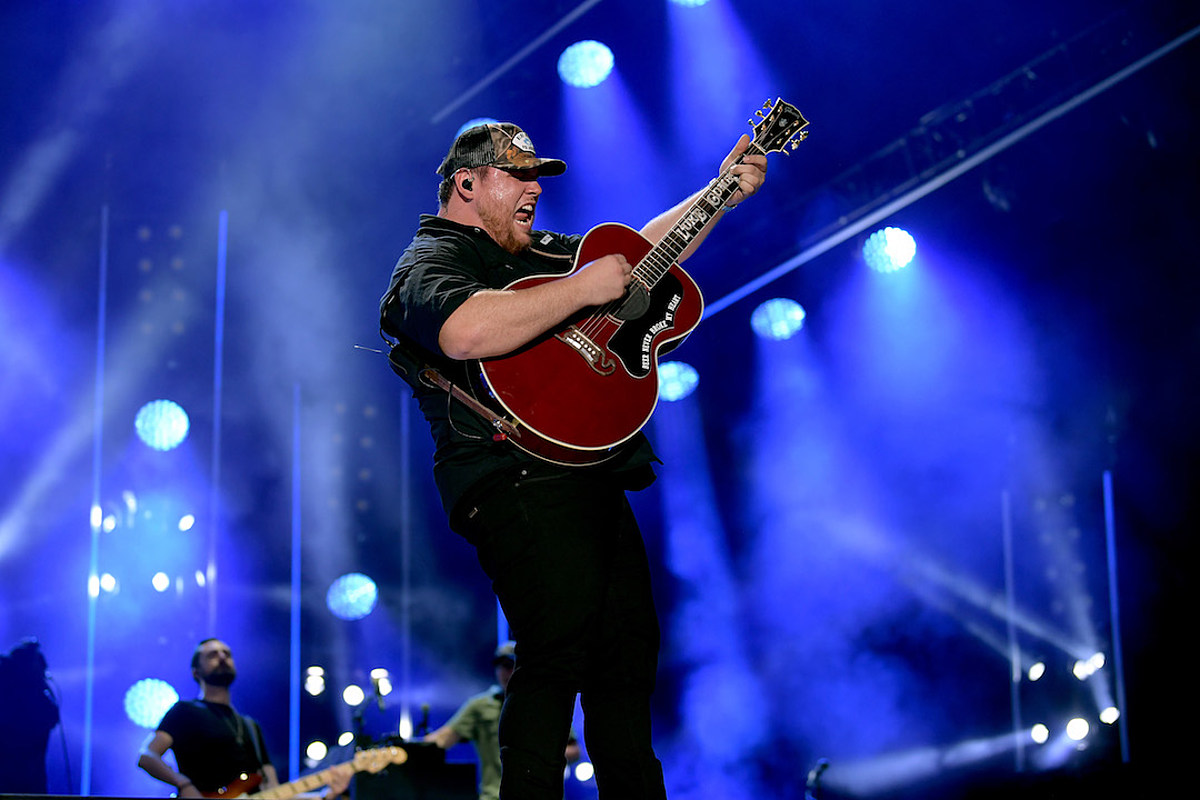 Luke Combs' Album Spends 44th Week at No  1, Sets New Record