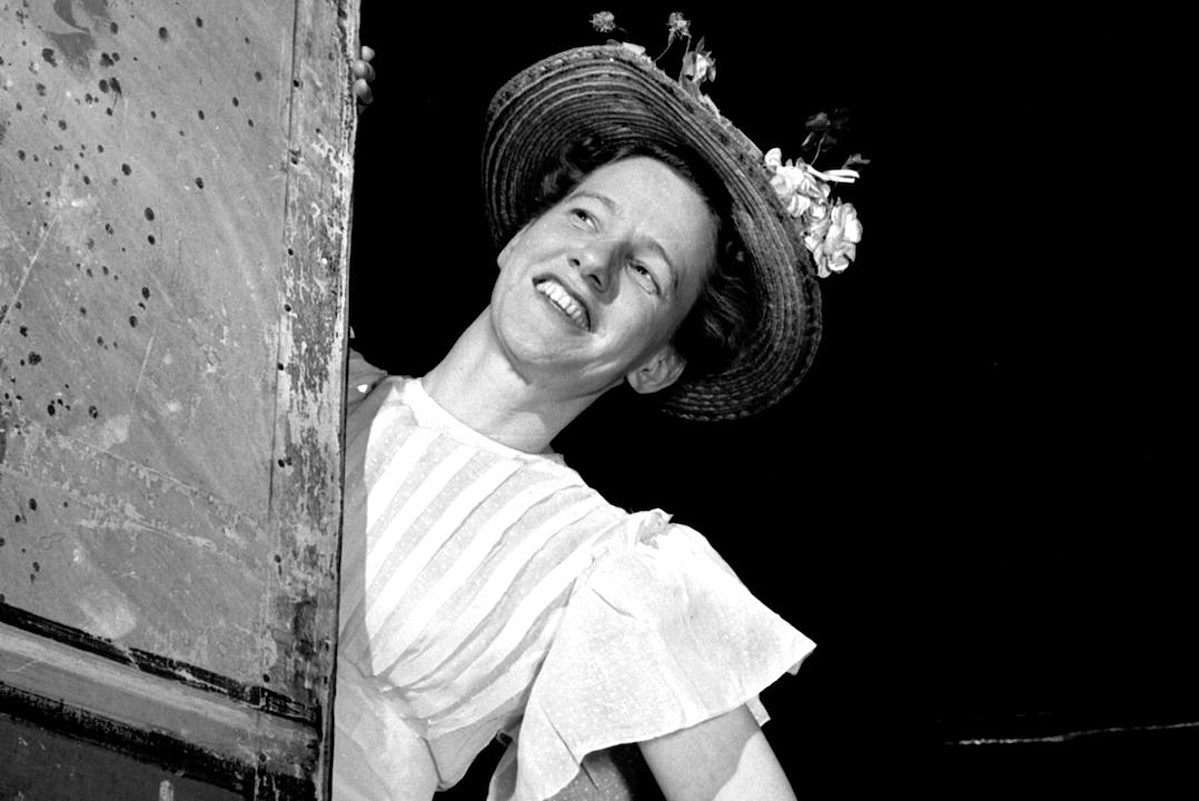 Meet Minnie Pearl: Legendary Country Comedian and Unifying Force