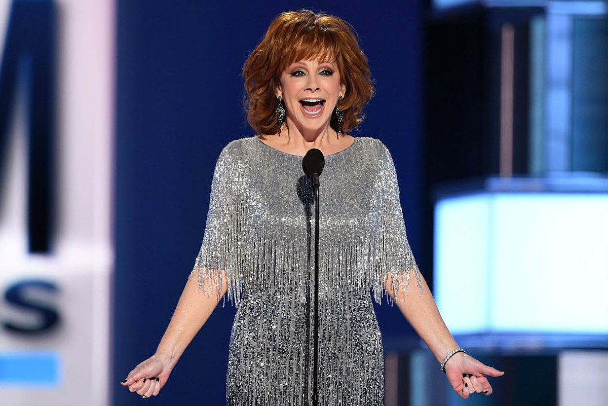Reba Mcentire Tour Dates 2020 Reba McEntire's Co Hosting CMAs    But What About the 2020 ACMs?