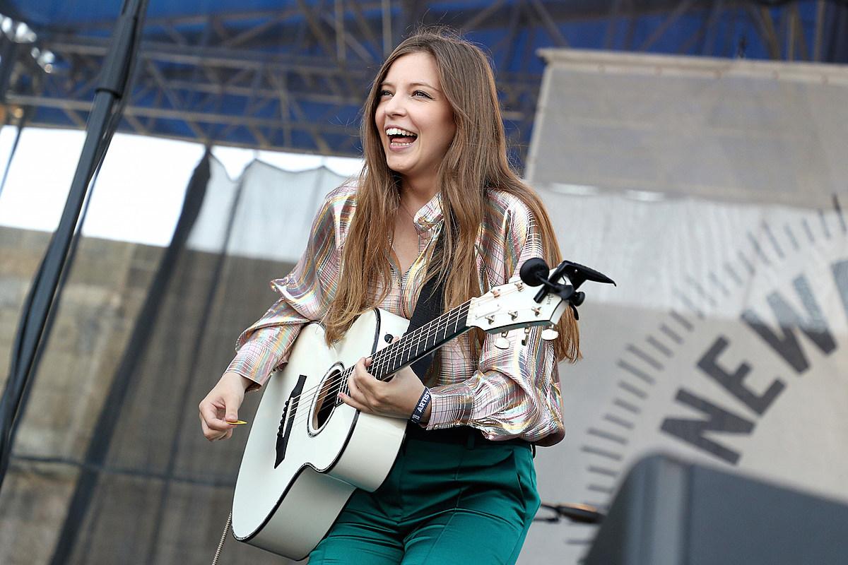 Interview: Jade Bird Talks 'Musical Crowds', Writing on the Road + Loving Tori Amos