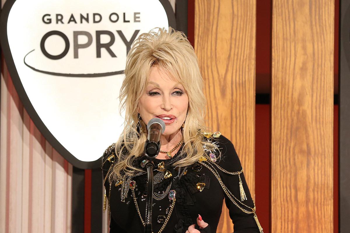 Dolly Parton's 2019 CMA Awards Performance Will Be Faith-Filled
