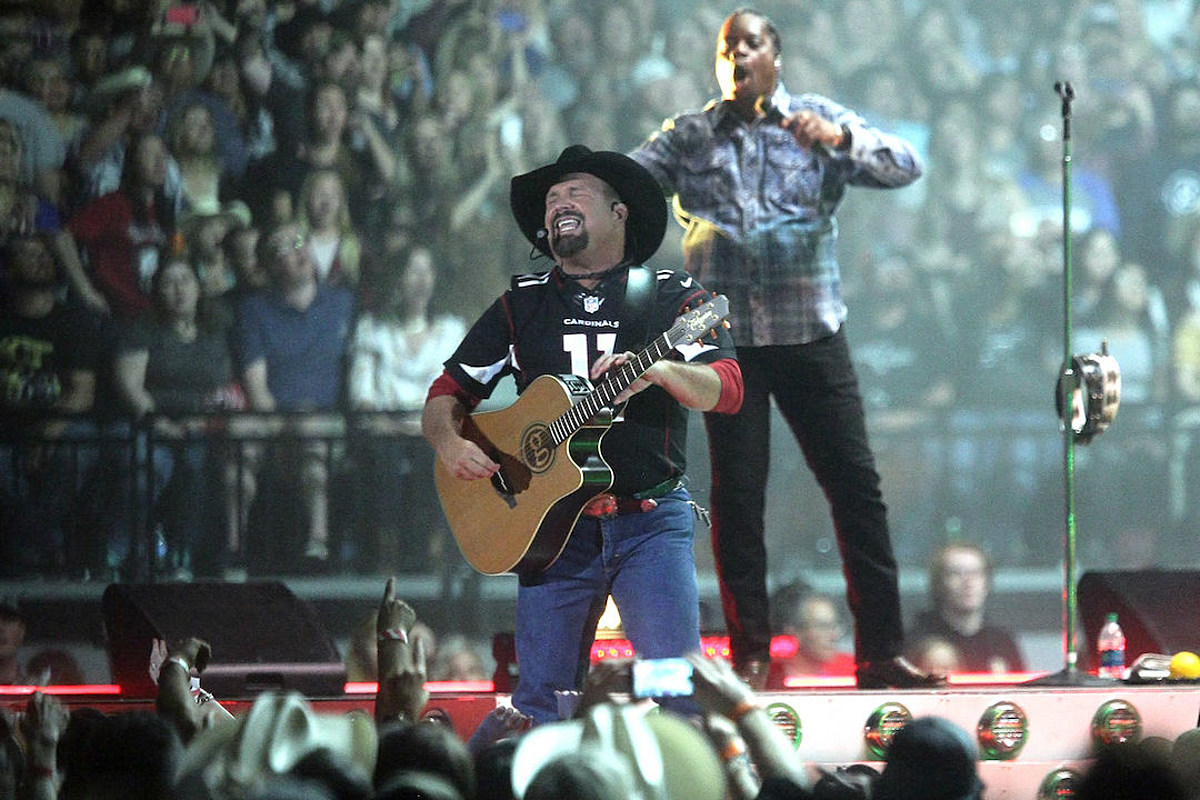 WATCH: New Garth Brooks Documentary Trailer Offers a Peek Behind the Scenes