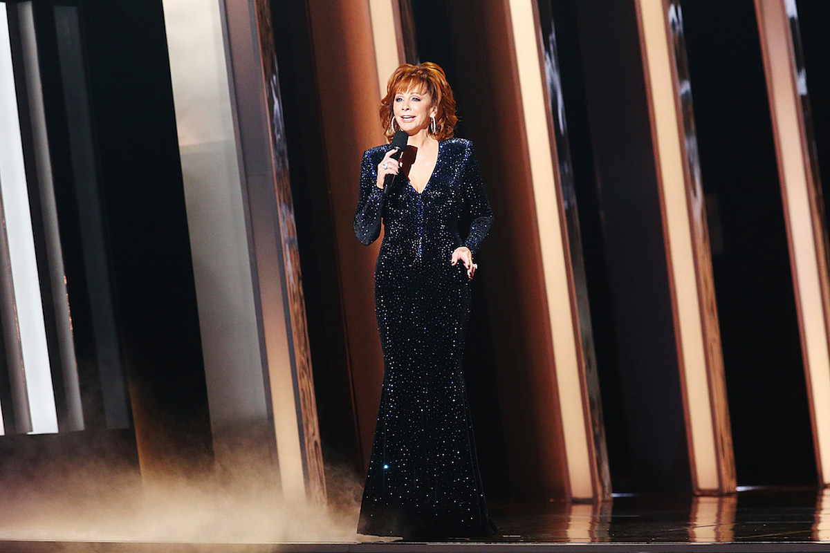 Reba McEntire to 'Indefinitely Postpone' Her Mother's Funeral Due to Coronavirus Concerns